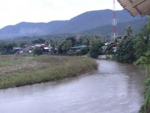 Uitzicht Mae Sariang op Myan Mar