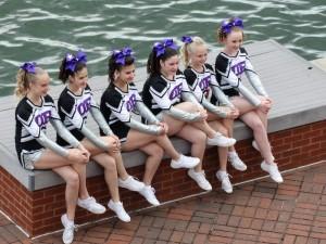 De meisjes van de danswedstrijd