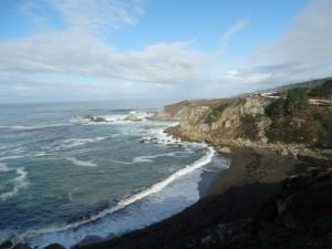 Golven slaan op de Californische kust