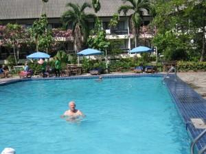 Heerlijk, zo'n verkoelend zwembad