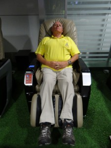 Lekker op de massage stoel