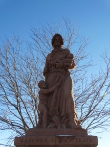 De Madonna of the Trail in Springerville