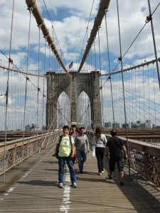 Wandelen over de Brooklyn Bridge