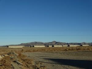 De US army opslagloodsen in de woestijn
